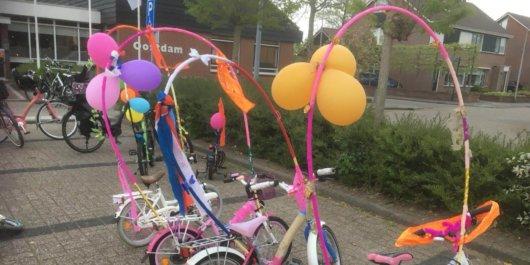 Aftrap oranjeweek in Oostdam